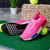 Стильные яркие женские кроссовки