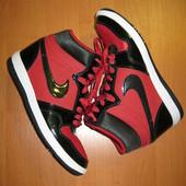 """Сникерсы """"Nike"""" размер 40.Оригинал.Сост. идеальное."""