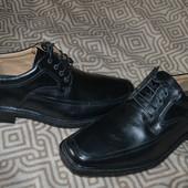 Новые стильные мужские туфли 29.3 см стелька Англия качество!