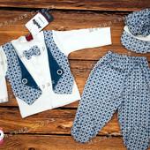 Нарядный костюмчик на мальчика 68 74 размер шапочка кофта-жилетка(фальш), ползунки, бабочка, Турция