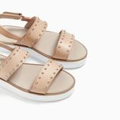 Сандалии с заклепками.Zara. 26-39 размеры