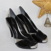 38 24,5см Oasis Кожаные туфли лакированные на каблуке