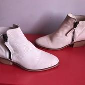 Демі ботинки із натуральної шкіри,від Мintelligence,розмір 38,стелька 24.