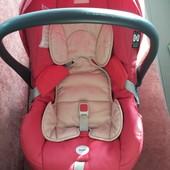 Inglesina автомобильное кресло детское продам