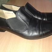 Зручні шкіряні туфельки 36-37 розмір