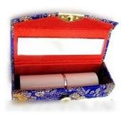 Футляр для губной помады-необходимый атрибут в каждой женской сумочке-очень удобно)