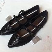 Блестящие туфли Next, рр 5 (38), на стопу 24,5 см, в наличии.
