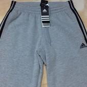 Adidas теплые штаны на флисе. Размеры S и L. привезены из Англии!