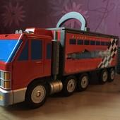Большой фургон, фура - трансформер, гоночная трасса от Hasbro