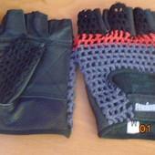Новые перчатки атлетические  натуральная кожа+цветная сетка,на Обьем ладоши от 22см до 24см.УП+10грн