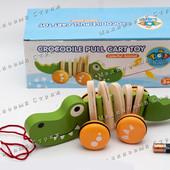 Деревянная каталка на веревочке Крокодил MD 0988, туловище хвост голова двигаются, прорезиненные кол