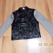 Фирменная кожаная куртка для девушки, размер 8 (42-44)