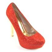 Эффектные туфли на шпильке