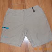 Фирменные шорты для мужчины , размер L