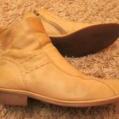 Качественные кожаные легкие ботиночки бренда «Respect»