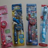 Детские зубные щетки с колпачками!