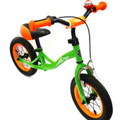 Детский беговел Tilly T-21252 надувные 12-ти дюймовые колеса, зеленый