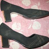 Туфли из искусственной замши,р.39(стелька-24см).