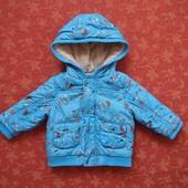 Демисезонная куртка на 6-9 месяцев, б/у. На сентипоне. Весна-осень. Общее состояние хорошее, замки и
