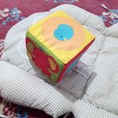 Кубик погремушка