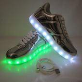 Серебряные кроссовки с USB зарядкой 38 и 40 р