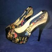 Красивые туфли на высоком каблуке Guess (стелька 23,5см)