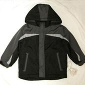 Деми курточка на 4-5 лет