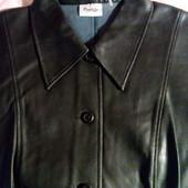"""Курточка з м""""ягеньк. еко - шкіри роз.48 ідеал.стан."""