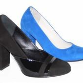 Замшевые туфли, цвета электрик и черного цвета