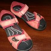 Детские кожаные сандалии ECCO, размер 33, длина стельки 21 см.