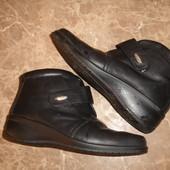 Фирменные Hotter кожаные ботинки ботильйоны 37,5 размер