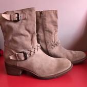Шикарные замшевые ботинки от minelli новые