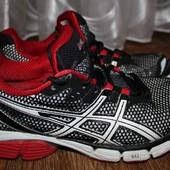Беговые кроссовки Asics gel. 40 размер. 26см. по стельке. Оригинал.