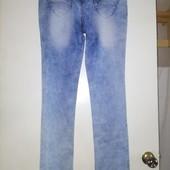 новые джинсы 31р