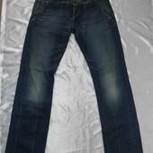 Фирменные мужские джинсы р. 33