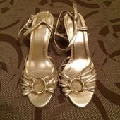 Туфлі туфли Next 35,5 розмір. (стелька 23 см UK 3,5).
