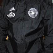 Спортивная оригинал курточка ветровка Adidas.л-хл .
