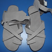 Класні сандалі 38р