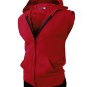 Спортивная жилетка с капюшоном красный