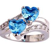 Кольцо, покрытое серебром с розовыми/голубым кристаллами