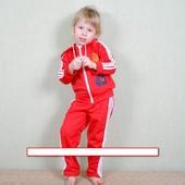 красные трикотажные костюмы 110-116р(2шт)