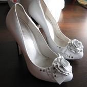 """Кожаные белые туфли ТМ """"Attizzare"""" размер 36"""
