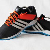 Кроссовки Adidas. Cтелька 26 см