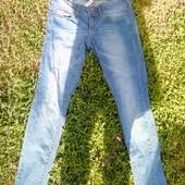 модные джинсы на подростка