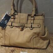 Бежевая сумка кожзам ключик с замочком (2 отдела, 4 кармана)