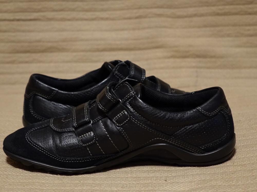 Легкие комбинированные кожаные кроссовки Ecco черного цвета. Дания 39. фото №1
