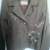 Модный пиджак с вышивкой р.М.Укрпочта =16