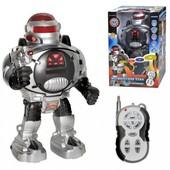 """Робот  """"Защитник планеты"""" на радиоуправлении"""