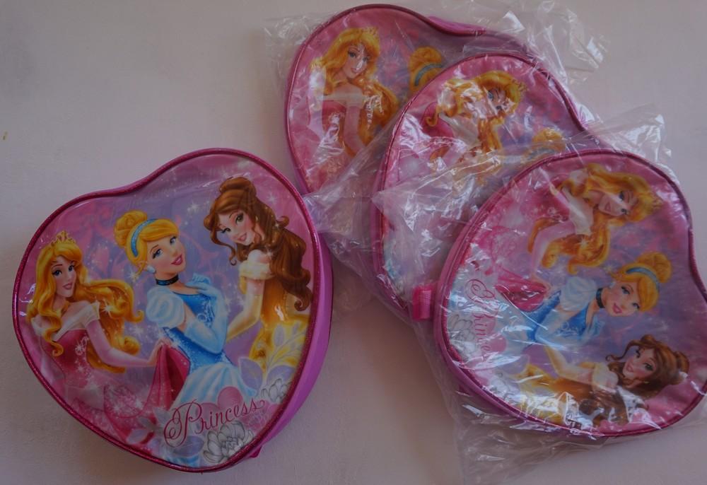 Рюкзак сердечком принцессы от mothercare фото №1