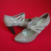 Туфли Clarks натур кожа 38 размер